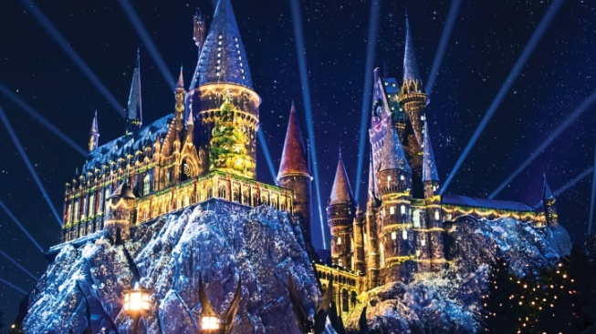 Conjure Details for Christmas at Wizarding World