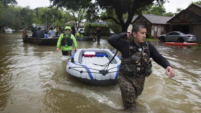 Harris County Seeks to Compile Volunteers Data for Disasters