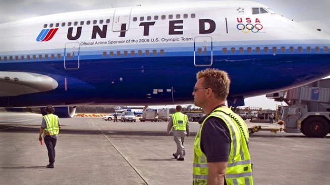 United Airlines Reports Huge Loss