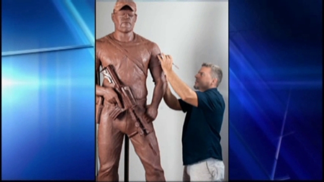 An artist has found a monumental way to honor the Navy sniper shot and killed in Erath County.