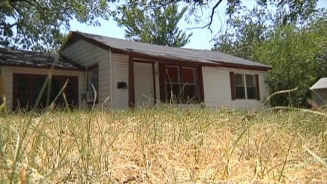 Residents in Lewisville get a chance to fix up their homes with grant money from the city.