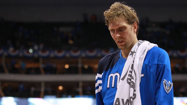 Dirk Nowitzki Sidelined By Knee Surgery