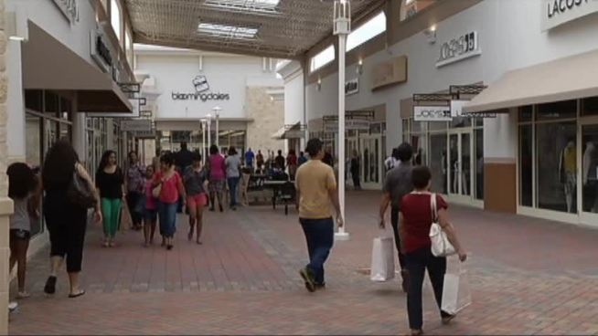 Paragon Outlets expects 100,000 shoppers in their first four days.