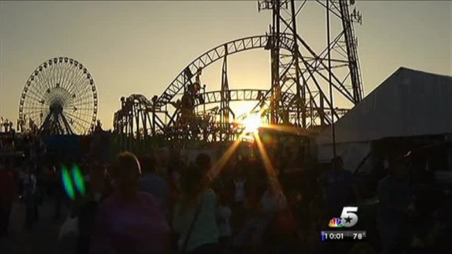 Despite two mishaps on Friday, crowds packed the State Fair of Texas during its last weekend.