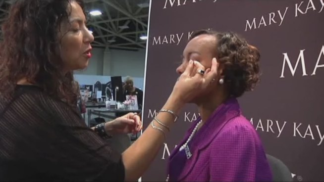 The Mary Kay convention is in its third and final week at the Dallas Convention Center and two former servicewomen are the newest recruits in the Mary Kay army.