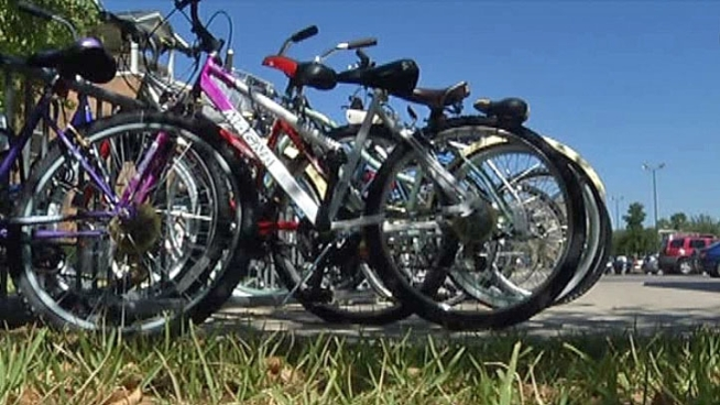 After a string of bike thefts around the University of Texas at Arlington campus, UTA Police are using bait bikes in an attempt to catch the thieves leaving students without their wheels.