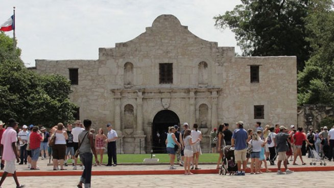 Perry Compares Race to The Alamo
