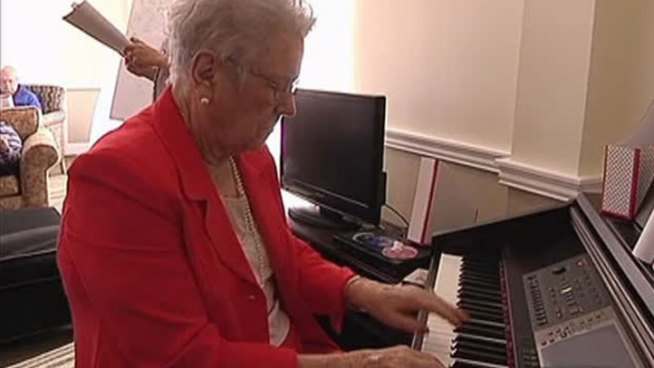 A Dallas senior living facility is incorporating music into its daily therapy for patients with Alzheimer's disease.