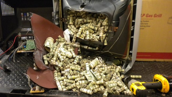 Police Find $432,000 in Rolled Up $20s