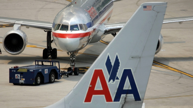 Expedia, Hotwire Again Selling AA Tickets