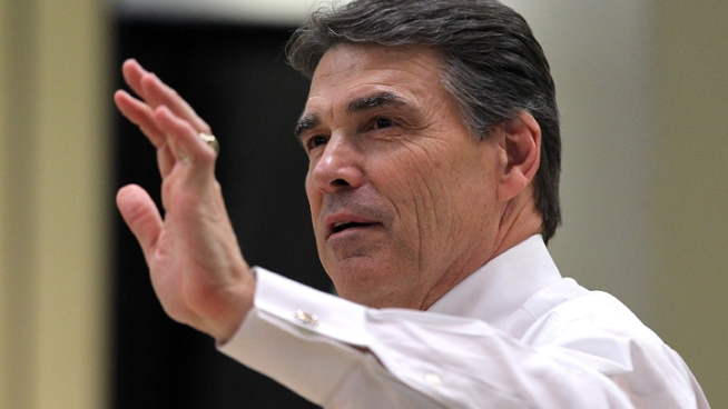 Perry Touts New College Credit Law for Vets