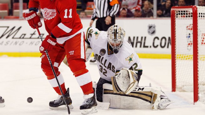Lehtonen Seconds Away from Shutting Out Red Wings