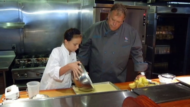 Eleven-year-old Jenay Benge makes lemon bars for diners at Rathbun's Blue Plate Kitchen in Dallas.