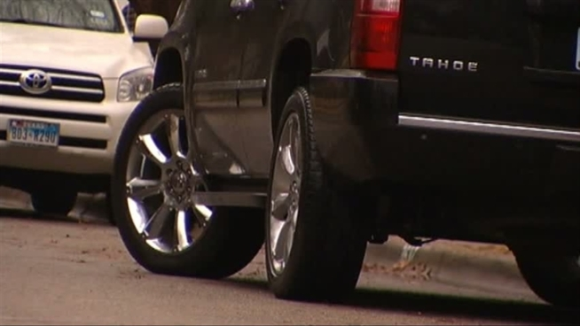 Police say groups work together to steal wheels.