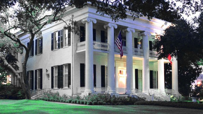Restored Governor's Mansion Holds Event