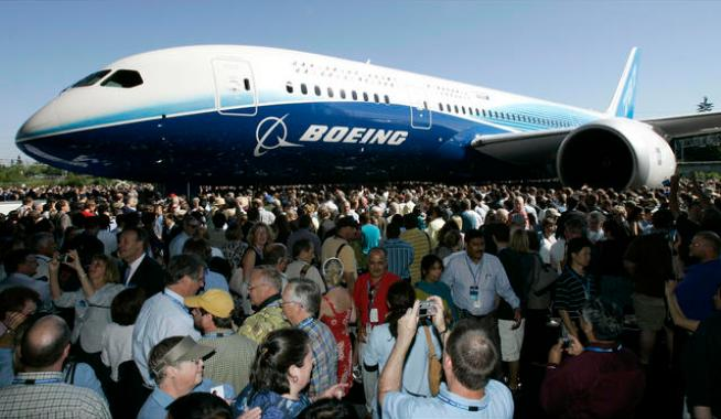 Boeing 787 Makes Emergency Landing on Test Flight