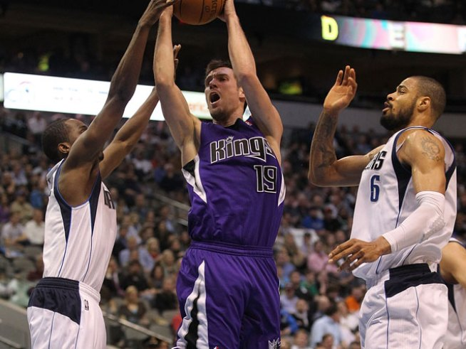 Kidd's 3s, Beaubois Debut Get Mavs Past Kings