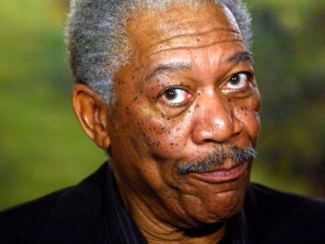 "Morgan Freeman's Voice Replaces Walter Cronkite's on ""CBS Evening News"""