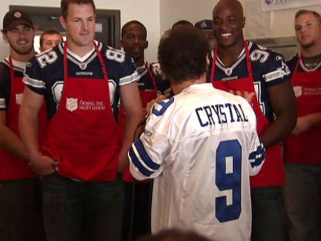 Dallas Cowboys Serve up Thanksgiving Early