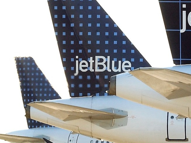 "Passenger Enraged by JetBlue's ""Credit Only"" Policy"