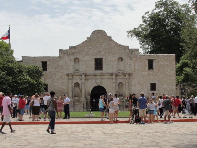 Latest Battle for Alamo Involves Contract Dispute