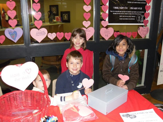Garland Kids Sell Hearts for Haiti