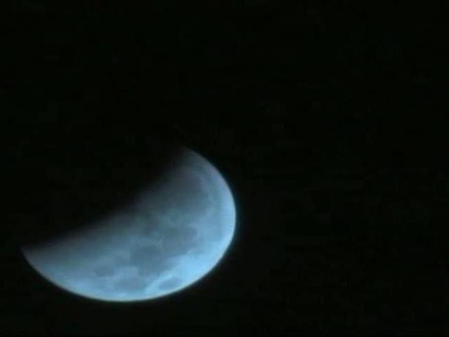See a time line of the nearly 3 hour lunar eclipse from early Dec. 21, 2010.