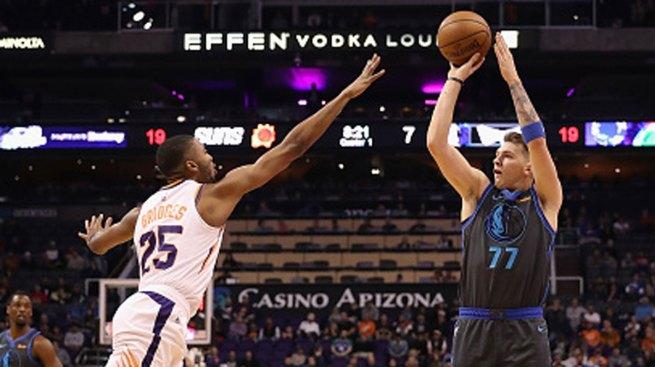 Doncic Scores 30 Points, Mavs End Skid Against Suns