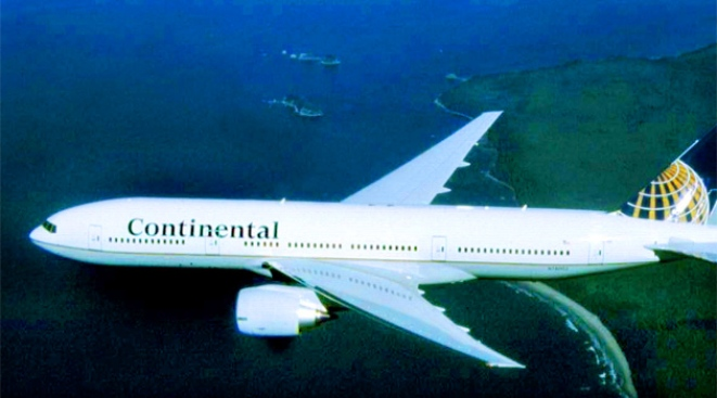 Pilot Dies During Continental Flight Into Newark
