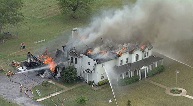 Fire Destroys Home Near Eagle Mountain Lake