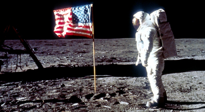 NASA: Budget Boost 'Good Start' to Put Astronauts Back on the Moon