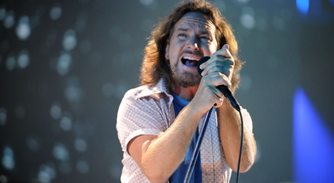 """On The Download: Pearl Jam's Fantastic """"Fixer"""""""