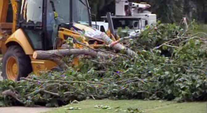15,000 in DFW Spend Another Day Without Power