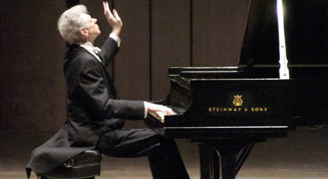 Cliburn's Global Idols of the Ivories Showcased on Film