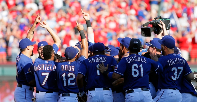 Rangers Win in the West: In Photos
