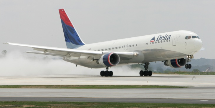 Airlines Unlikely to Follow Delta's Mileage Plan