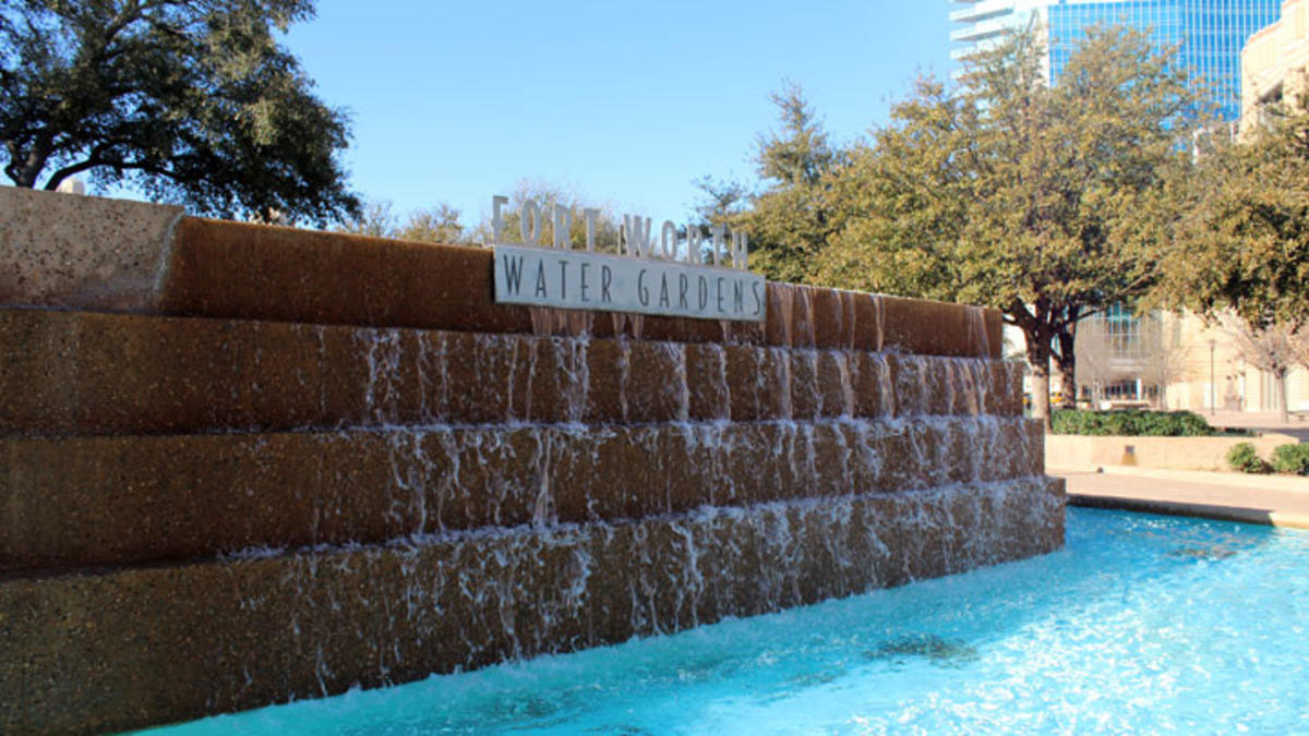 Police: Woman Stabbed At Fort Worth Water Gardens