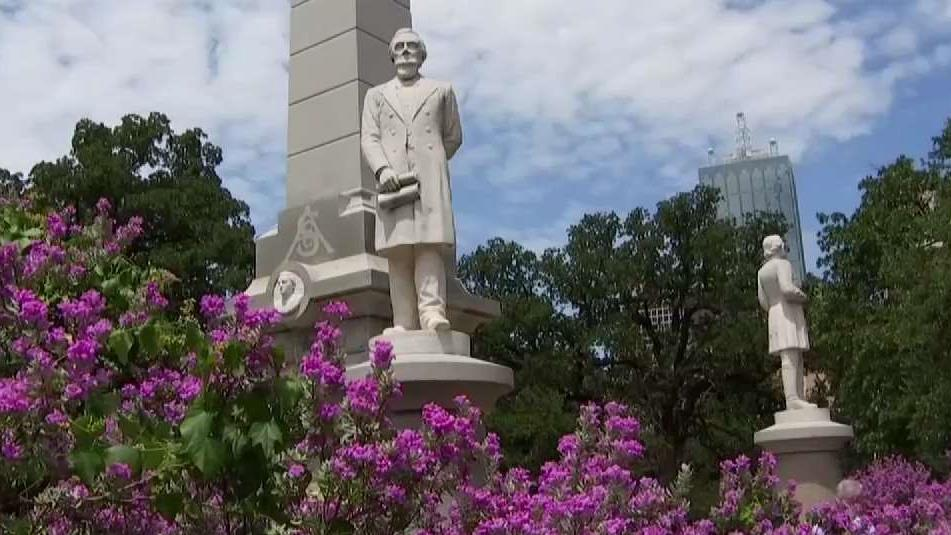 Dallas Mayor Suggests Task Force on Confederate Monuments