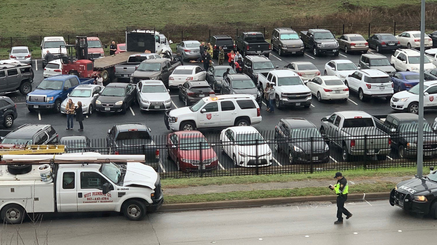 truck crashes into 22 parked cars in bell parking lot - dallas news