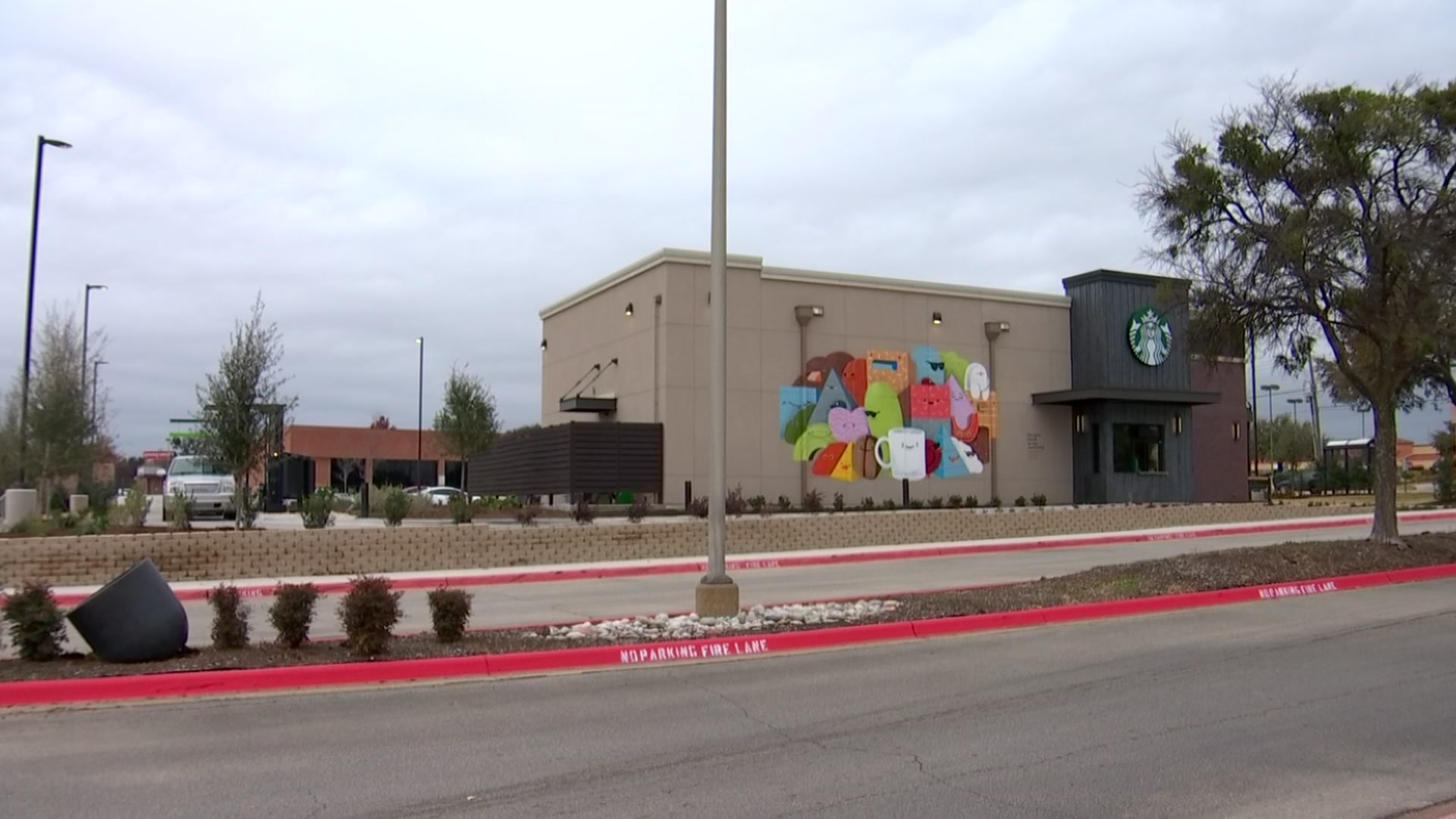New Starbucks is First in Southern Dallas