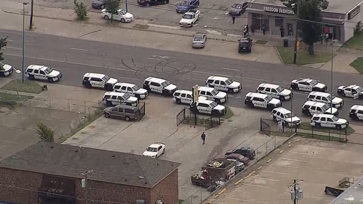 BREAKING: SWAT Situation on MLK in Dallas