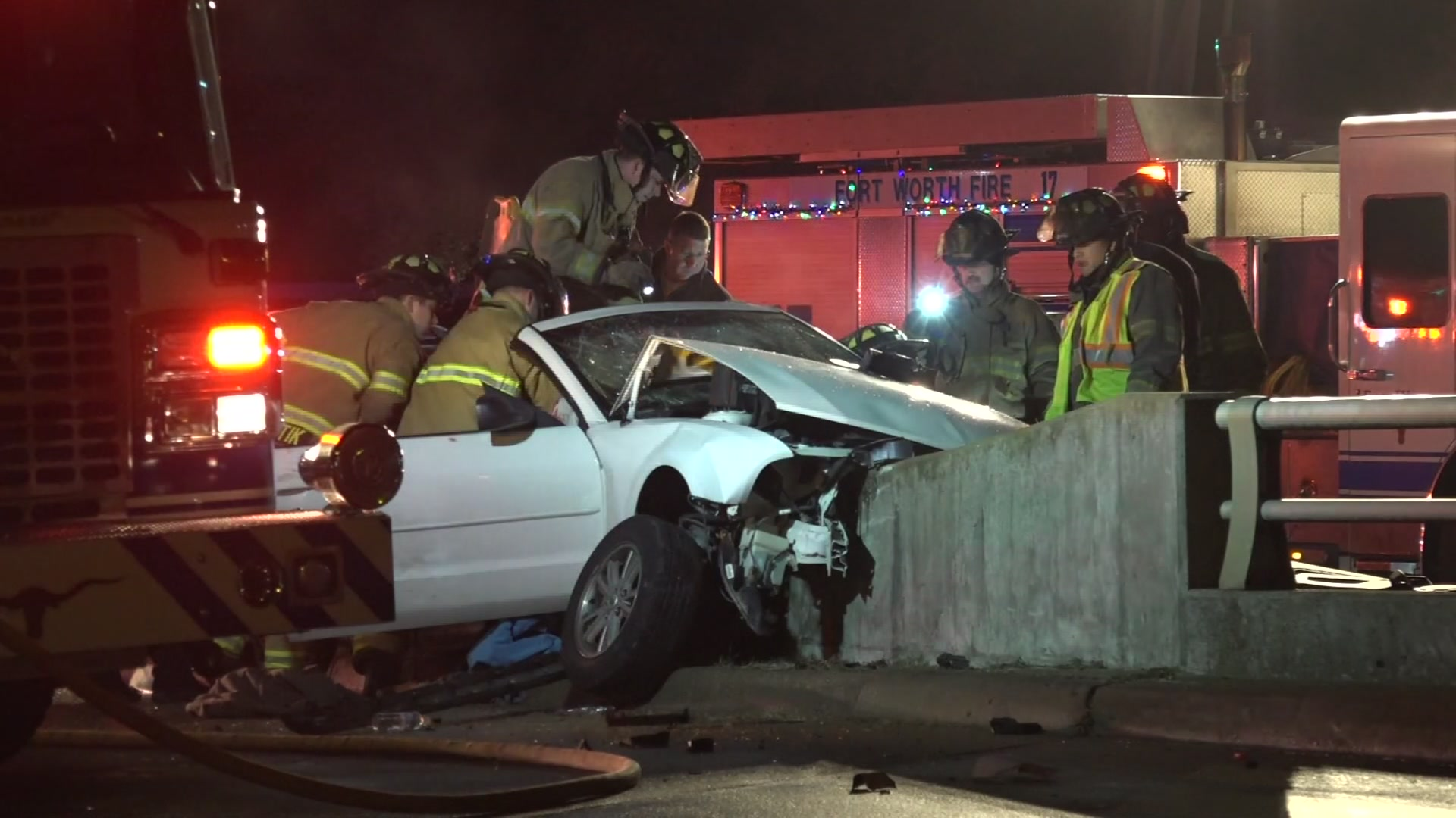 mustang crashes into concrete barrier, 3 hurt - dallas news - newslocker